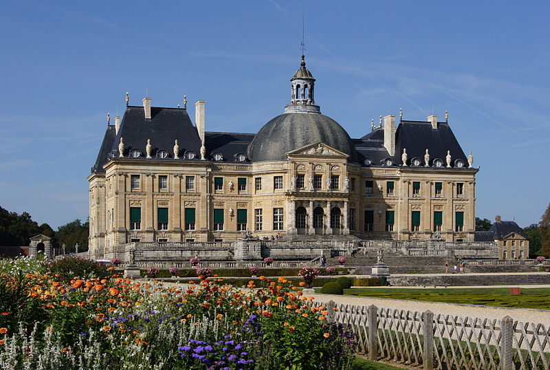Le Château de Vaux-le-Vicomte, à Maincy, en France. - Source : By Le Vau as architect, Jebulon as photographer (Own work) [Public domain], via Wikimedia Commons