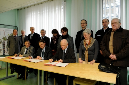 signature de la convention constitutive Marc Royer : photographe-Mairie de Metz